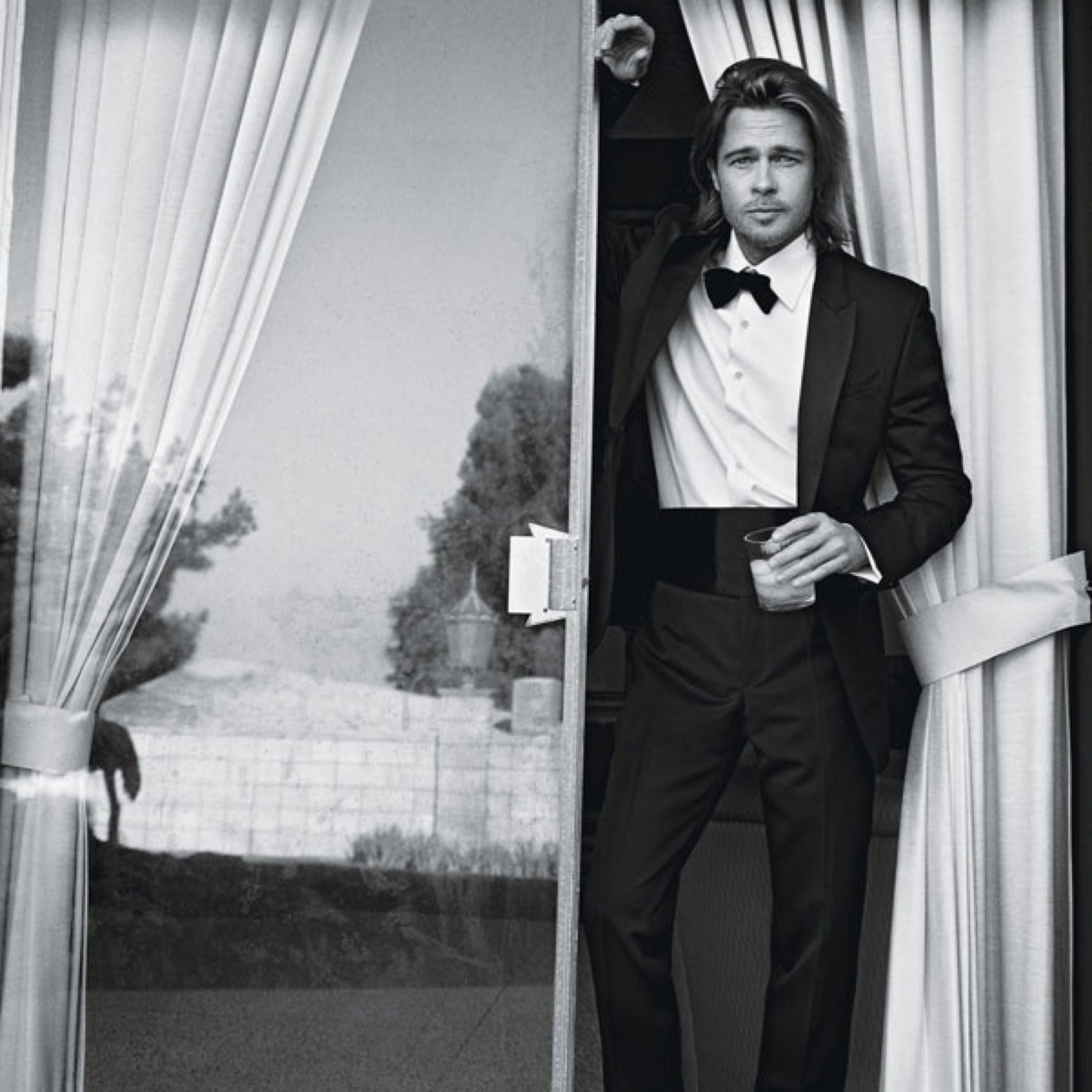 #4 (128 likes) :: Brad Pitt by Mario Sorrenti for W ... брэд питт инстаграм