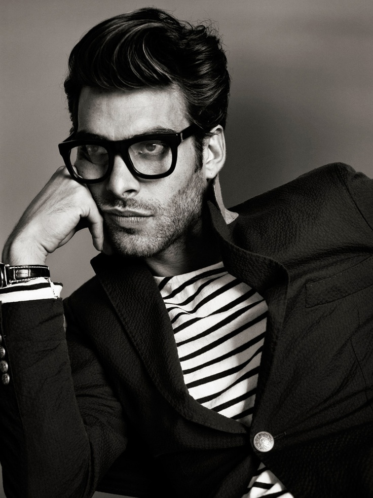 Jon Kortajarena in a light base stripe under a dark jacket