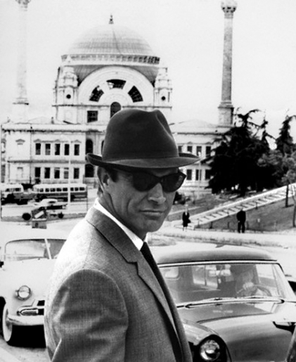 the_man_has_style_sean_connery_hat_sunglasses