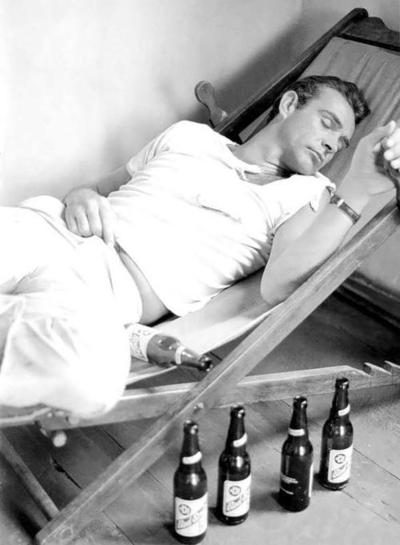 the_man_has_style_sean_connery_sleeping_beers
