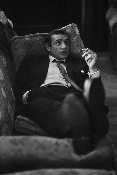 the_man_has_style_sean_connery_sofa