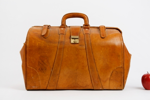 the_man_has_style_archer_archer_leather_doctors_bag