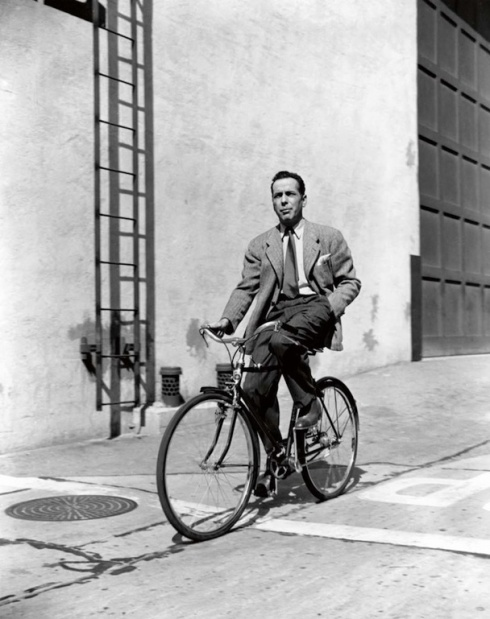 the_man_has_style_humphrey_bogart_bicycle